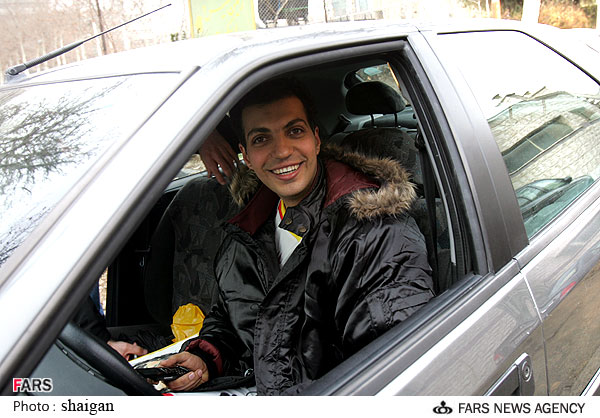 فردوسی پور در ماشین